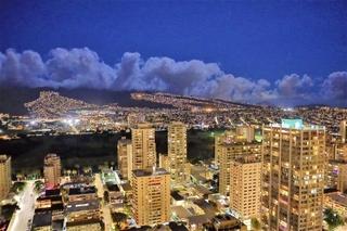 Hawaii_night_view.jpg