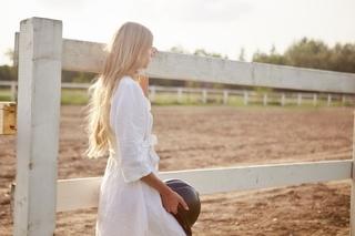 blonde_girl.jpg