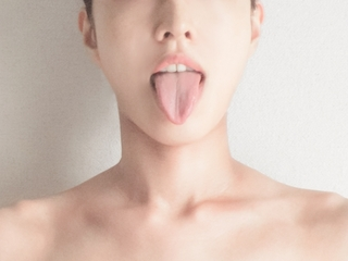 lady_tongue.jpg