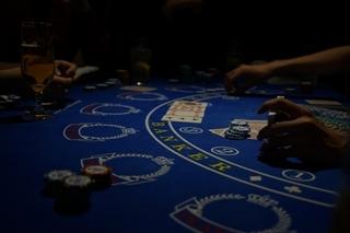 poker_table.jpg