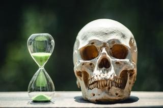 skull_hourglass.jpg